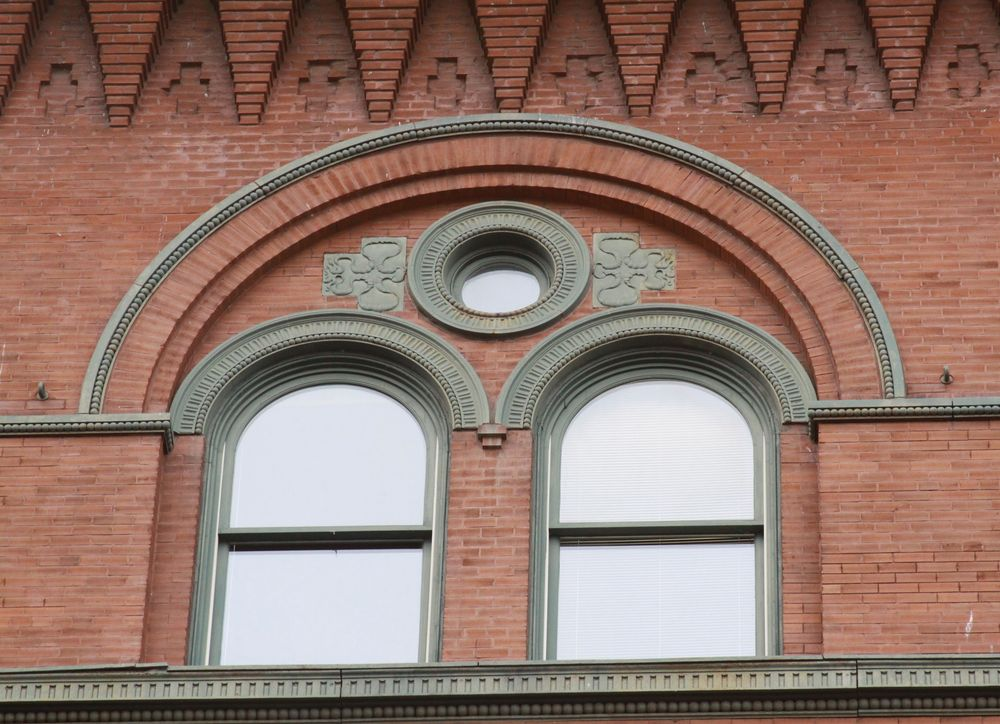 Blood Warehouse (Gilbert Building), Window detail