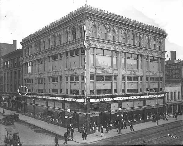 Boston Clothing Co. (Bowlby Building), Historic photograph